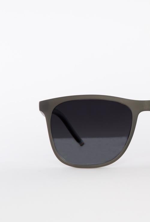 Logan gafa sol graduada negro frontal
